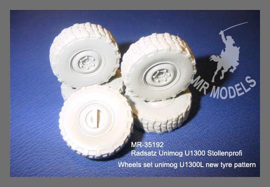 MR - 35192 Rädersatz Unimog U1300 Stollenprofil
